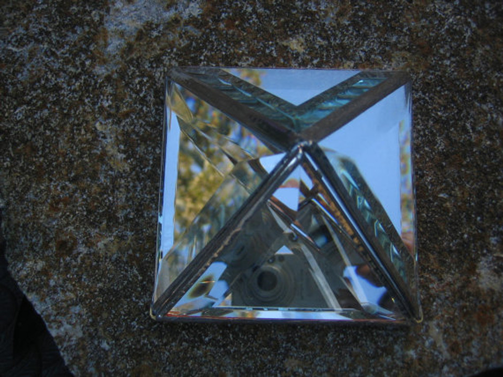 Crystal Channels Glass Pyramid Charging Boxes