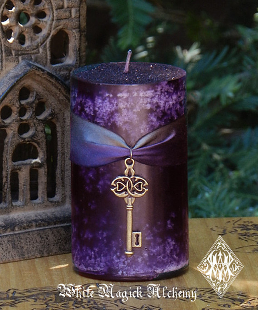 Key to the Crossroads Hekate Magic Candle About