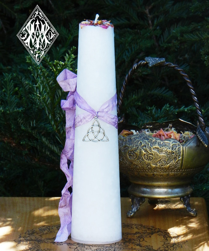 Trinity Goddess Triquetra Torch Light Candle 2x9 Pillar