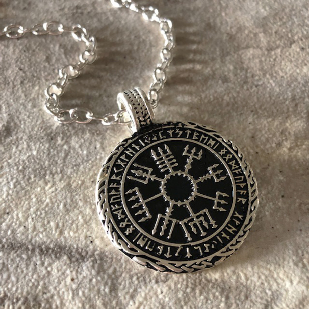 Vegvísir Norse Viking Protection Amulet Pendant Necklace in 925 Silver