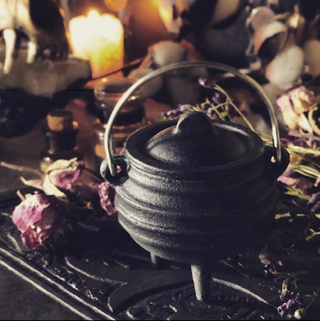 Small Cauldron Cast Iron Cauldron Mini for Ritual, Incenses & Resins