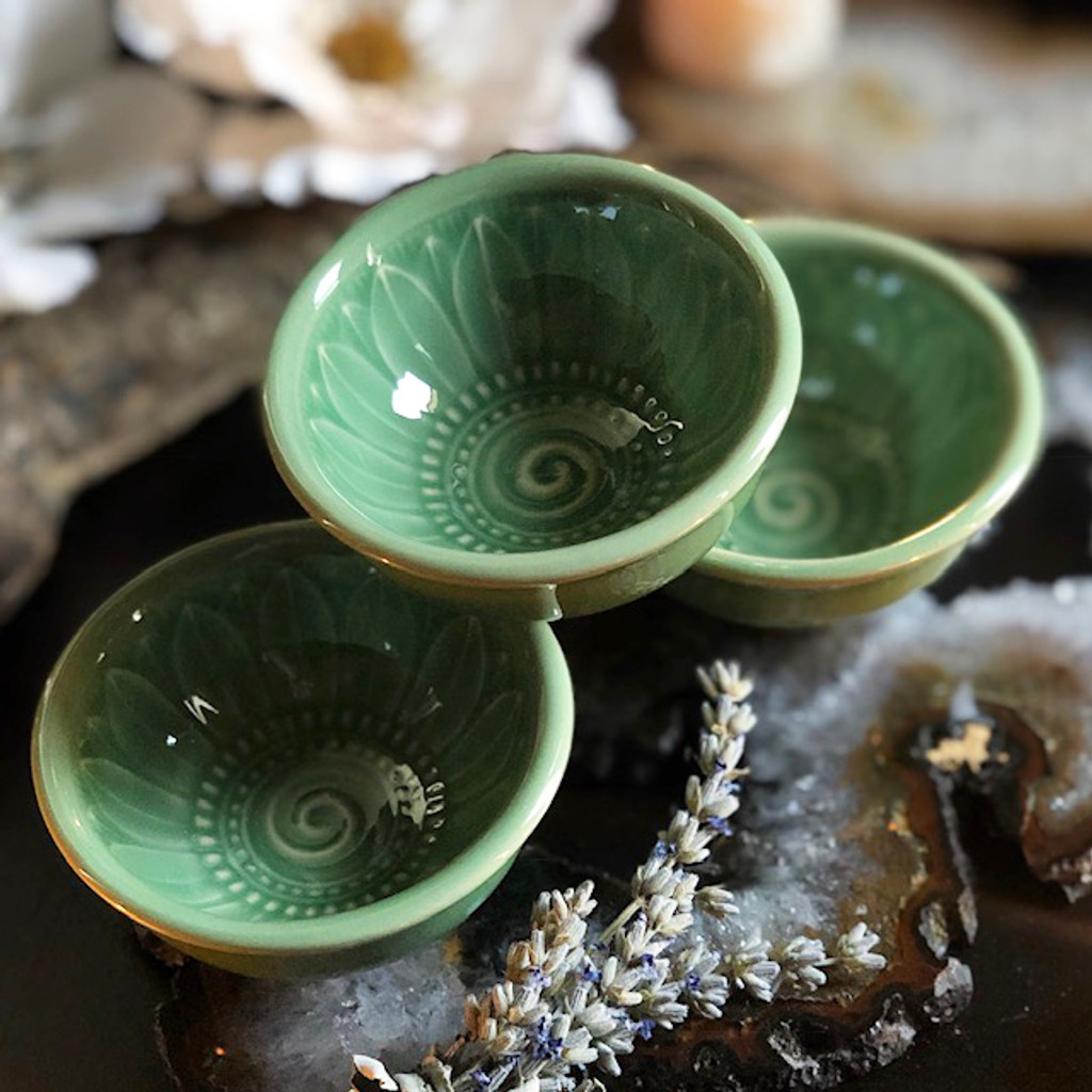 Sage Lotus Offering Bowls for Herbal Offerings, Gemstones, Rings, Incense Cones & More