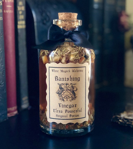 Banishing Vinegar Ultra Powerful Potion 18oz for Banishing Negative Energies, Spiritual Disturbances, Negative People