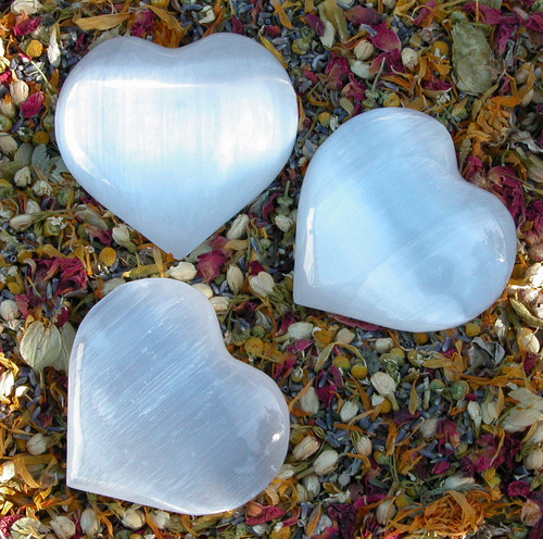 """Selenite Crystal Gemstone Heart Large 3.5"""" . Clarity, Intuition, Spirit Guides, Angels, Mental Focus and Dispelling Blockages, Fertility"""