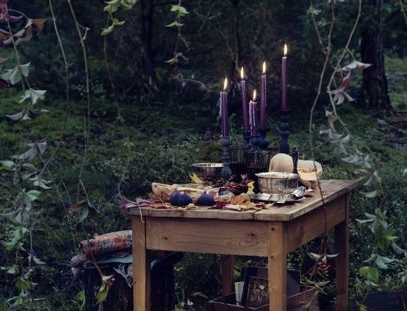 Must be the Season of the Witch - About Samhain and the Witches New Year