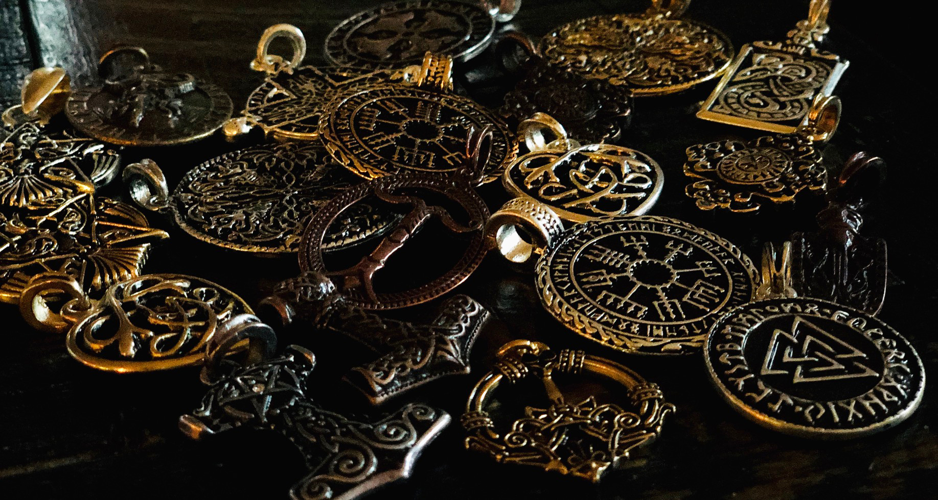 viking-norse-jewelry-necklaces-amulets.jpg