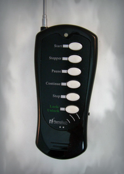 Stepper remote for the MS32Q firing systems.