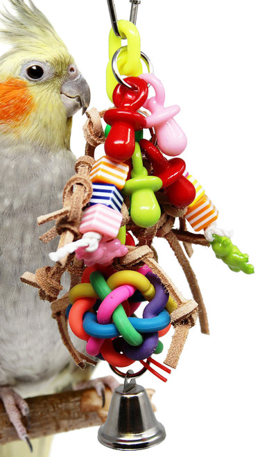 1446 Wibbly Jumble is a perfect toy for Parrotlets, Parakeets, Cockatiels, and Lovebirds. A single wibbly ball that can be stuffed with treats or paper for added foraging fun.