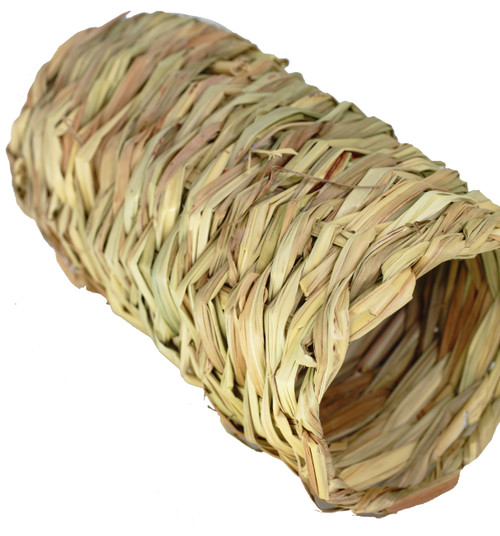 2019 Large Seagrass Cylinder, this open-ended seagrass tube has multiple uses, it can be used in your bird toy crafting projects or just as a foraging foot - talon toy for your large sized-feathered friends.