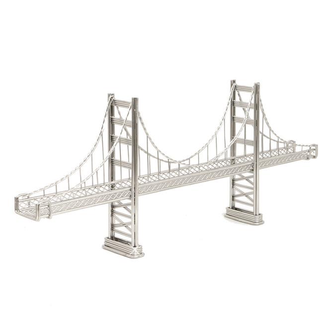 Golden Gate Bridge Wire Model and Statue