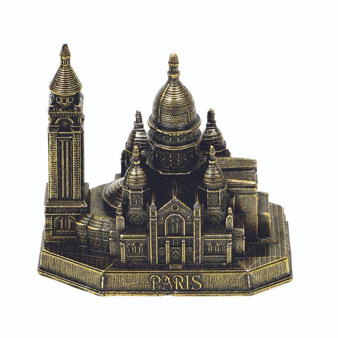 Sacre Coeur Statue