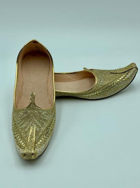 Punjabi Jutti (Golden Thread)