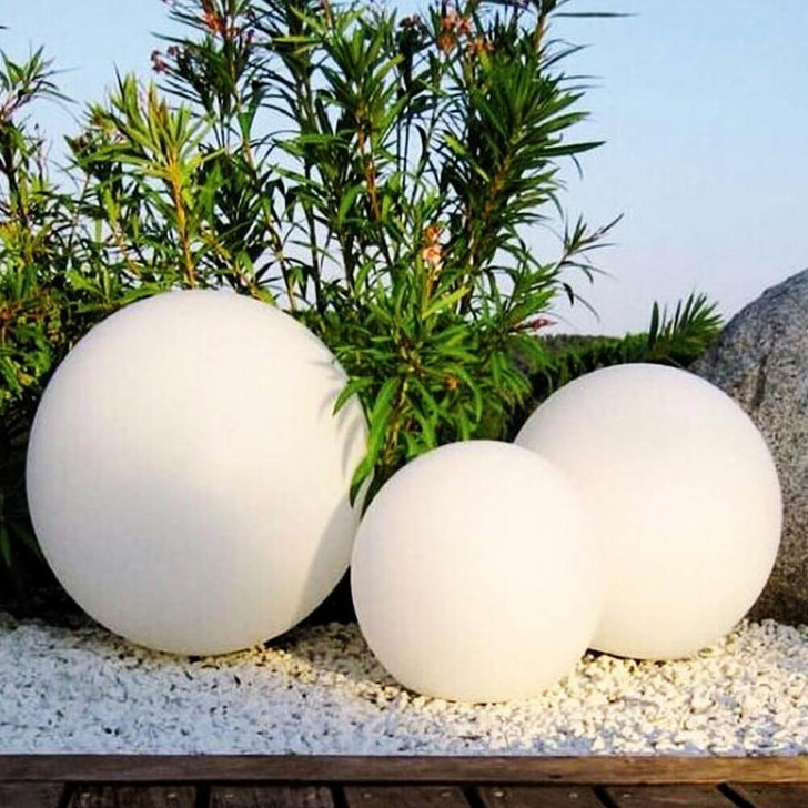 Waterproof Outdoor LED Ball Lights Décor-lifestyle