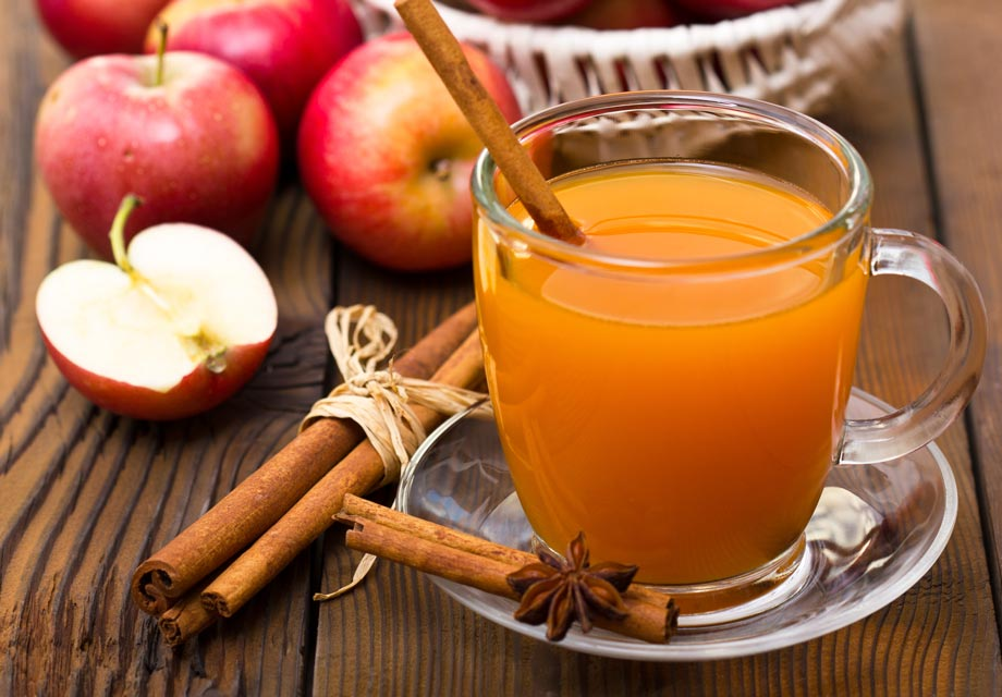 This easy homemade hot apple cider is tasty and nutritious.
