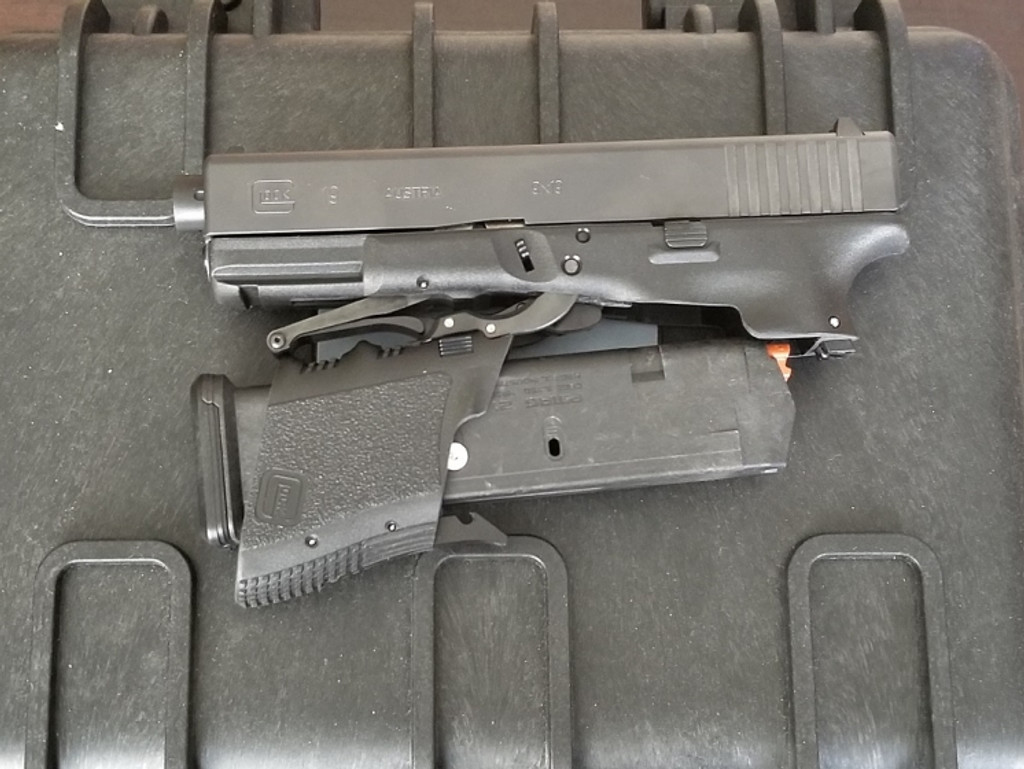 Glock 19  pistol with aftermarket MD3 folding conversion by Full Conceal.
