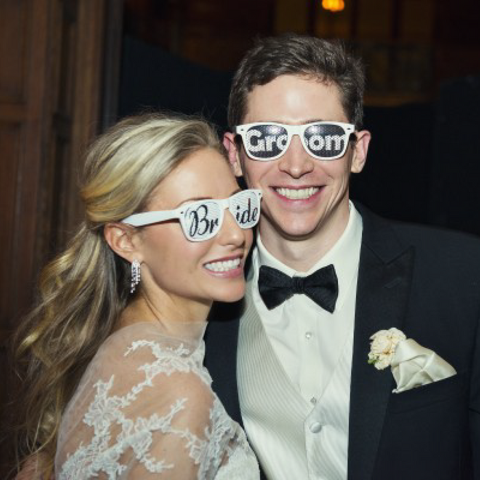 Customized Wedding Sunglasses sold in bulk