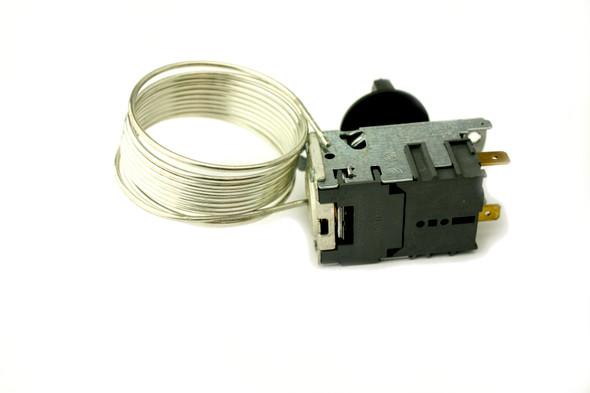 Back view of the True 988282 (Danfoss 077B6806) temperature control