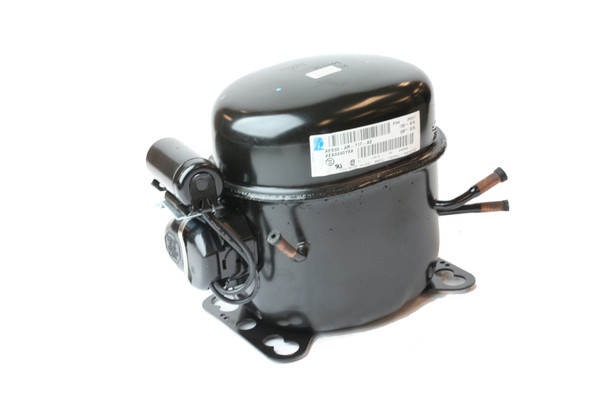 Front view of the True 991172 (replaces 842050, 874530, and 842015)(Tecumseh AE4440Y-AA1A) compressor
