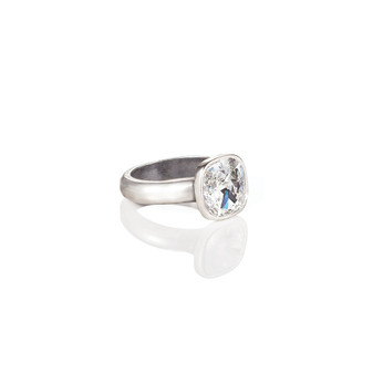 Cushion-Cut  Crystal Ring (RR149 K/N/P/R)