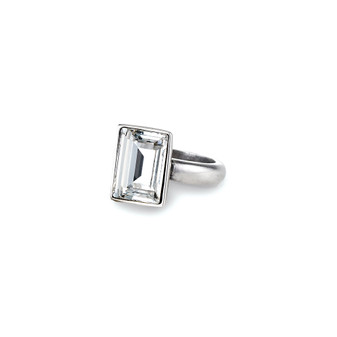 Temptation Rectangular Crystal Ring (RR76 /K/N/P/R)