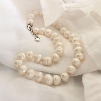 Ocean Beauty  Pearl Necklace