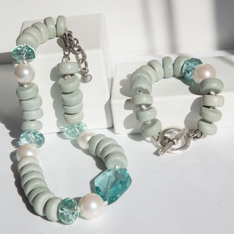 Beach Babe Bracelet - B1612 - 22cm - £35