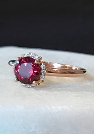 Antique looking ring set with garnet