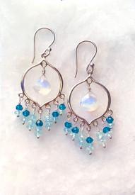 Shiny moonstones are everyones favorite gem!