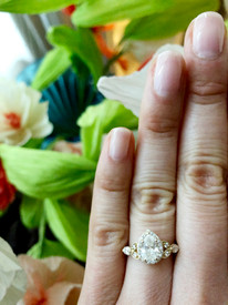 pear shaped diamond in a halo setting