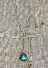 Modern Necklace in Labradorite
