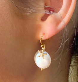 These pearl earrings would make a meaningful bridesmaids gift.