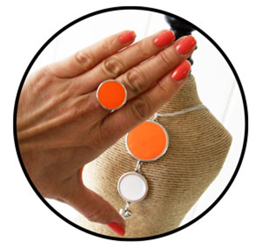 Fluorescent orange resin dye used in jewellery