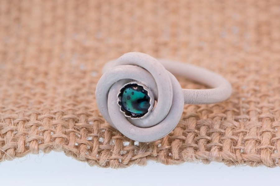 Round Toggle Ring