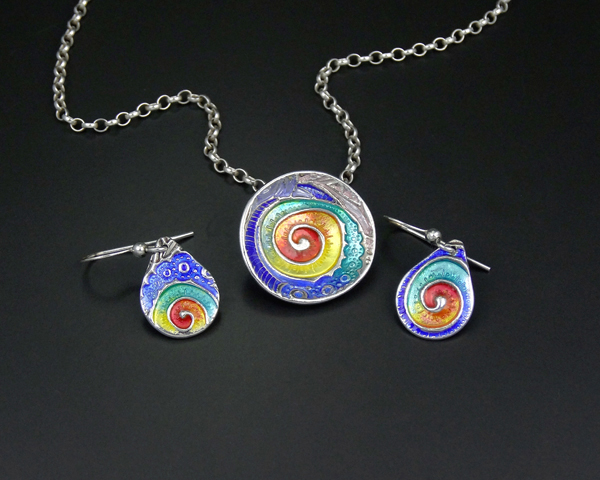 2aida-enamels-pendant-and-earrings-joy-funnell-b.jpg