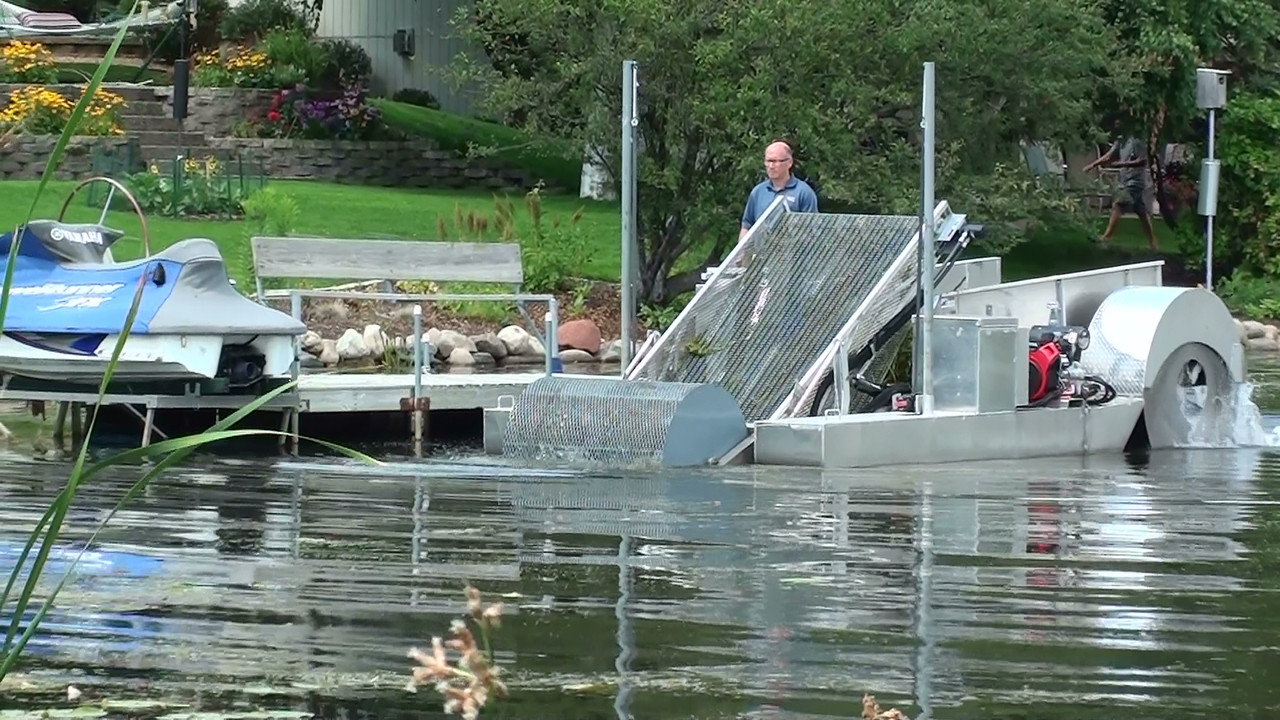 Aquatic Weed Cutting Boat harvester for sale