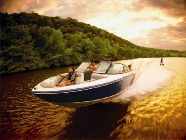 boating-safety-lake-river-28.jpg