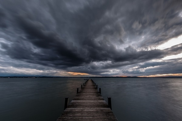 boating-safety-lake-river-stormy-weather-27.jpg