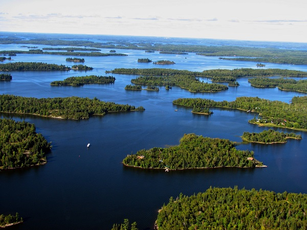 lake-of-the-woods-minnesota-canada.jpg