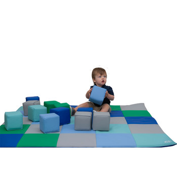 Patchwork Mat & 12 Piece Block Set 1