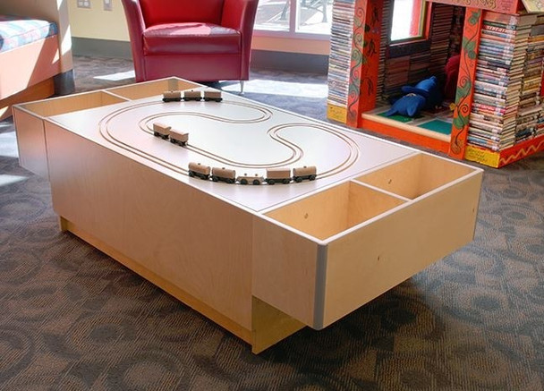 3branch Train Track Top Discovery Table
