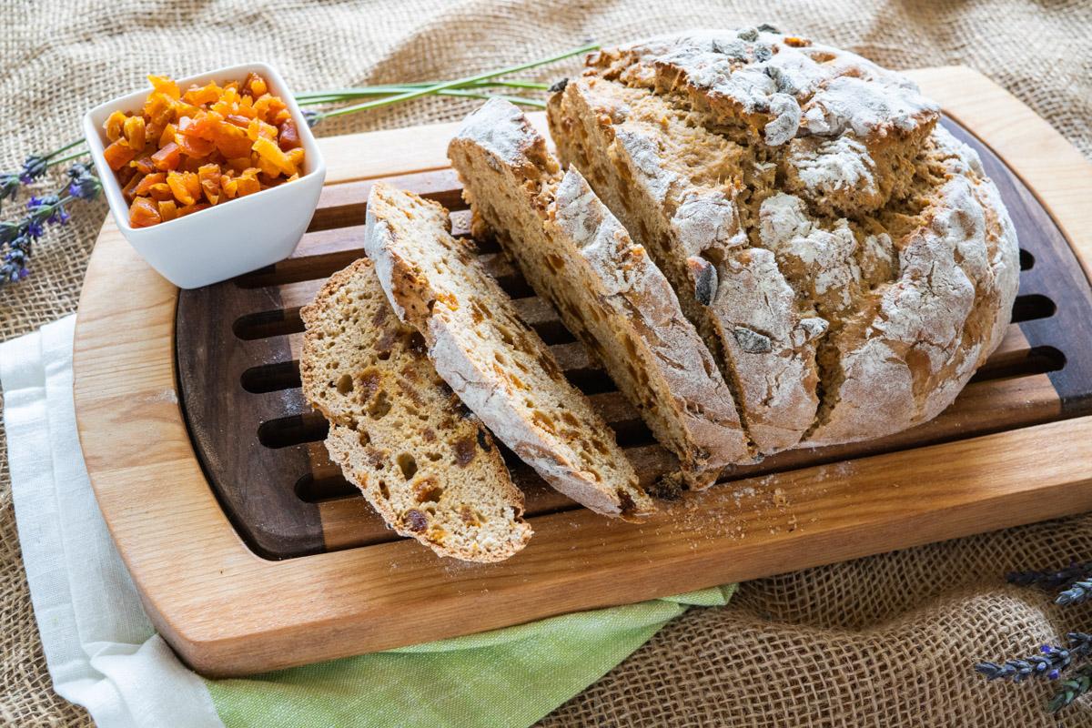 web-apricot-orange-irish-soda-bread-recipe-09783.jpg