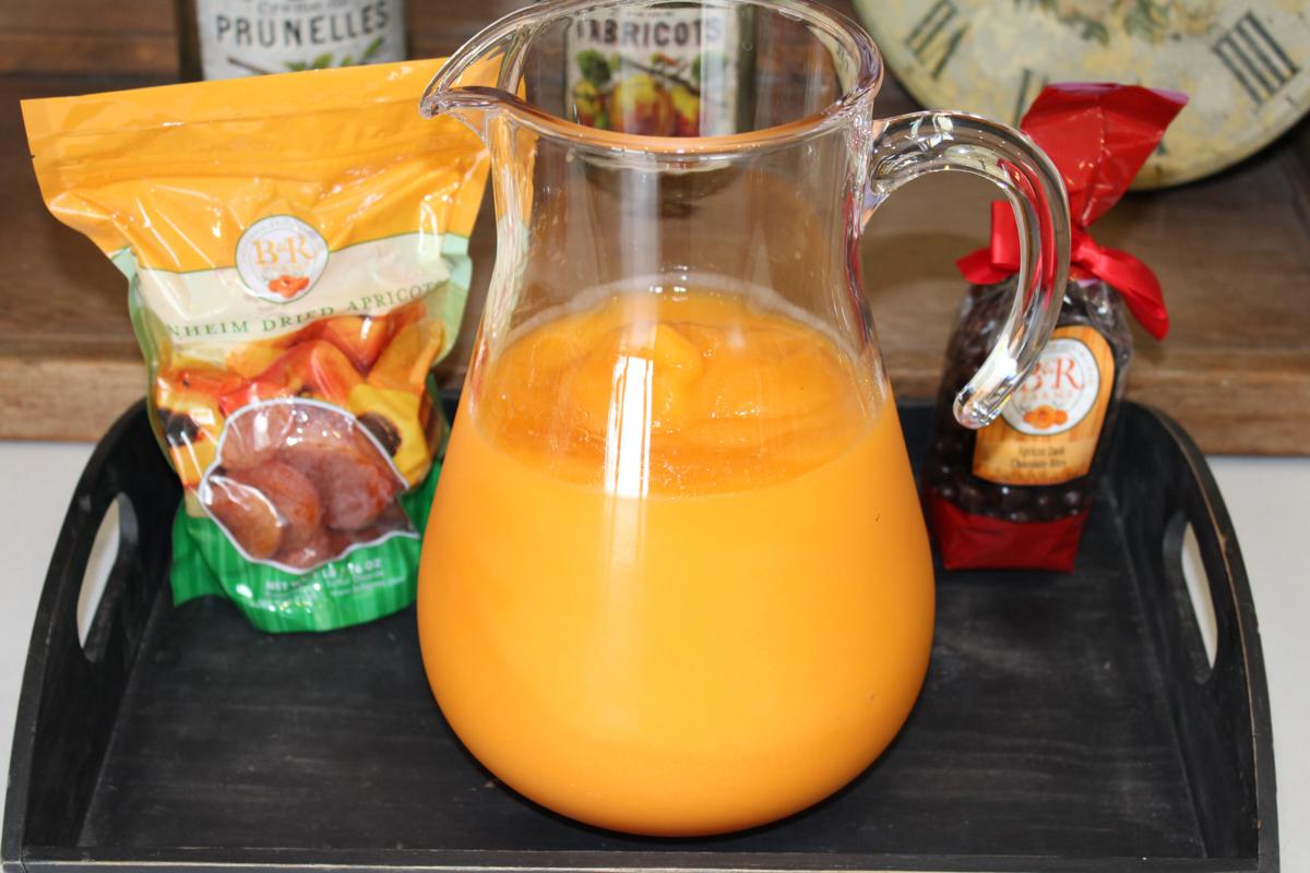 web-apricot-orange-juice.jpg