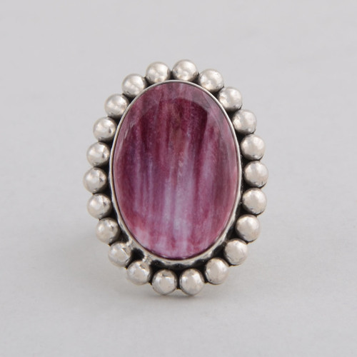 Sterling Silver Ring w/ Purple Spiny Oyster w/ Oval Shape w/ Hand Made Silver Bead Work.
