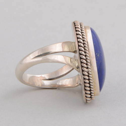 Sterling Silver Ring w/ Lapis Lazuli, Heart Shape Design, Detailed Silver Work.