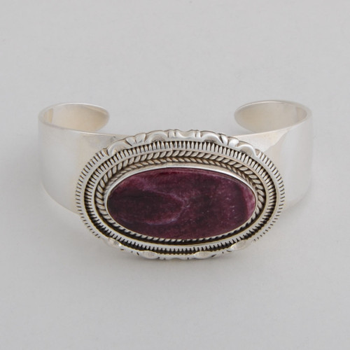 Sterling Silver Cuff w/ Purple Spiny Oyster Shell. Oval Design and Detailed Silver Work.