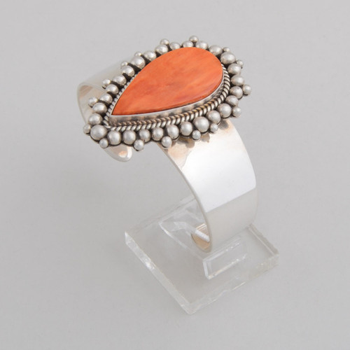 Sterling Silver Cuff w/ Orange Spiny Oyster Shell. Tear Drop Design and Hand Made Silver Bead Work.