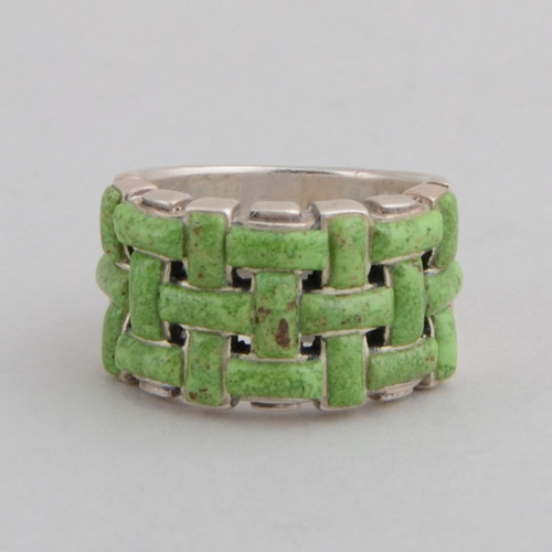 Sterling Silver Ring w/ Gaspeite Basket Weave Design.