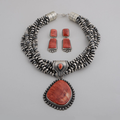Spiny Oyster Shell necklace with pendant and matching earrings