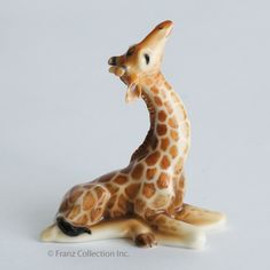 Endless Beauty Baby Giraffe Figurine