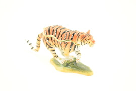 Gallant Tiger Jewelry Box with Necklace